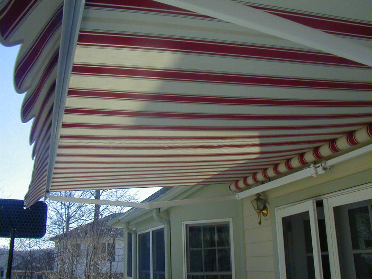 Trio Lateral Arm Awning | Alutex Shading Systems ...